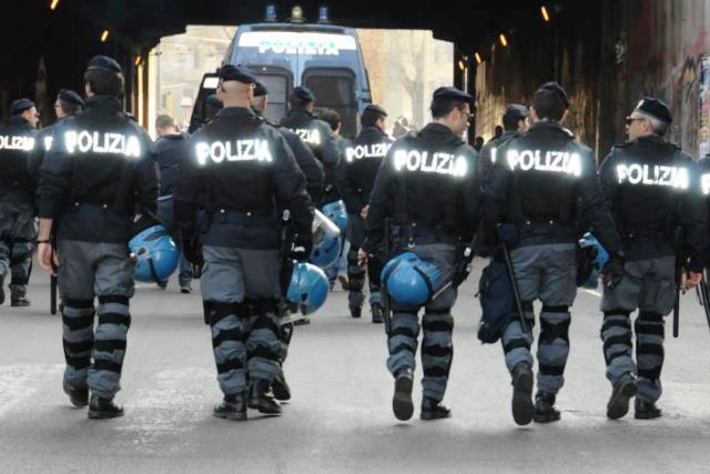 Polizia, antisommossa